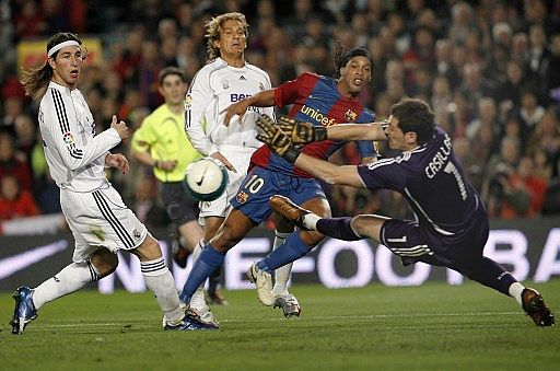 ronaldinho vs real madrid