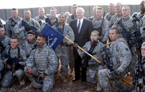 Foto de archivo de visita del secretario de Estado de Defensa Robert Gates en Irak. | Efe