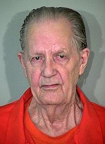 Muere de viejo tras 25 años de espera en un corredor de la muerte de EEUU 1266191266_extras_ladillos_1_0