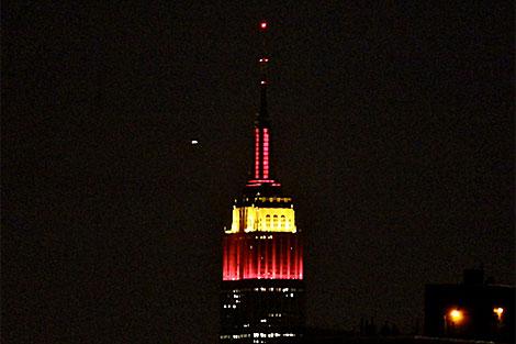 Imagen del Empire State con los colores de España.