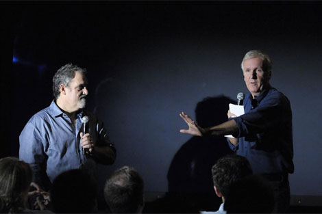 James Cameron en una rueda de prensa durante el Avatar Global Media Day. | AP