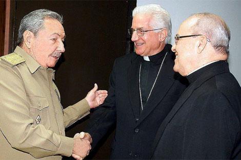 El cardenal Ortega tras el acuerdo de liberación de los presos con Raúl Castro en junio. | Efe