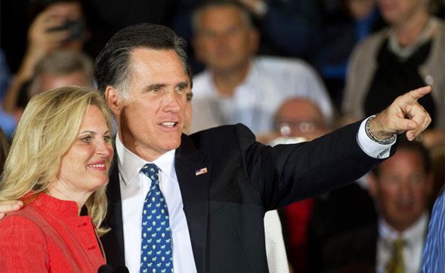Romney y su mujer celebran la victoria en Tampa. | Afp