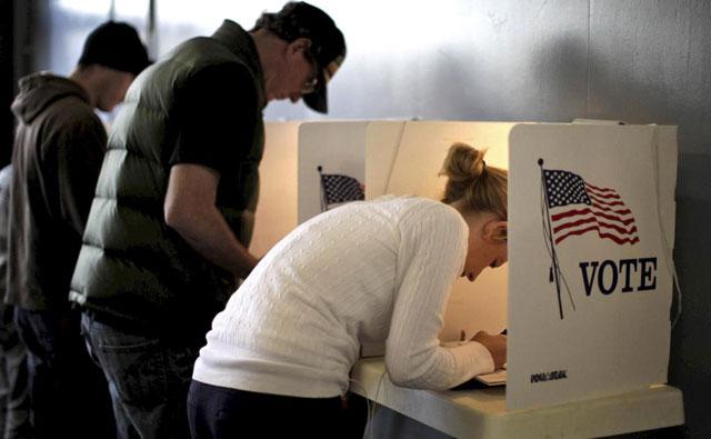 Ciudadanos estadounidenses votando.| Reuters
