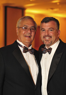 Barney Frank y su marido, James Ready. | Reuters