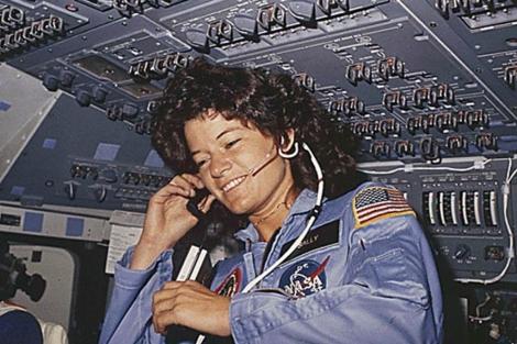 Sally Ride durante su viaje al espacio. | Afp