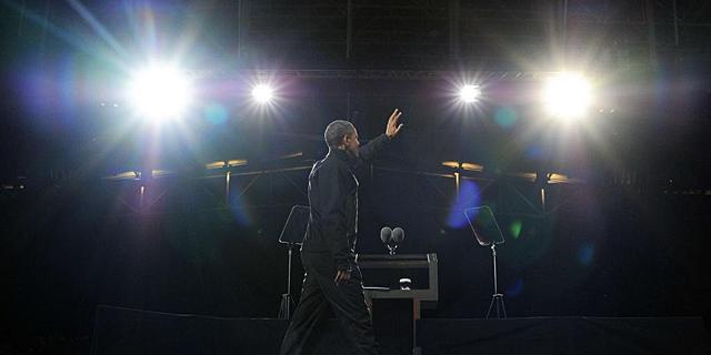 Barack Obama, antes del inicio de uno de sus últimos actos antes de las elecciones. | Afp
