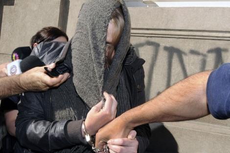 La periodista Estefanía Heit durante su detención. | Afp
