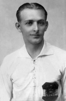 La trágica historia del 'futbolista de papel': Matthias Sindelar Sindelar_230x352