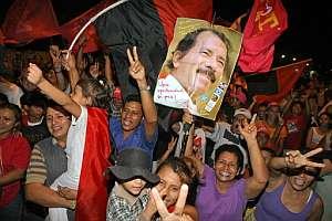 Seguidores de Ortega festejan el triunfo en Managua. (Foto: AFP)