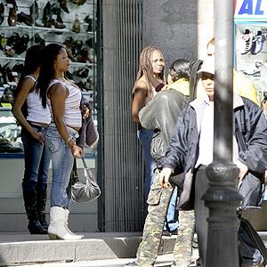 serie de prostitutas prostitutas calle montera madrid