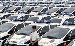 Los nuevos vehículos para la Policía Nacional en Madrid. (Foto: Antonio Heredia)
