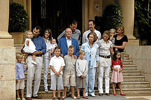 La Familia Real este verano en el Palacio de Miravent. (Foto: Bernardo Paz)