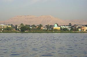 El Nilo, a su paso por Luxor. (Foto: EFE)
