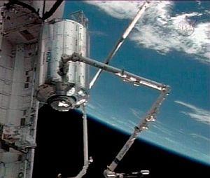 Imagen distribuida por la NASA de la colocación del Columbus. (Foto: AP)