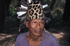 Un hombre indígena ayoreo, Paraguay. (Foto: Jonathan Mazower | Survival)