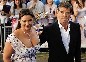 El actor y su esposa en el estreno mundial de 'Mamma Mia'. (Foto: REUTERS)