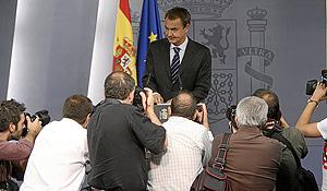 Zapatero, en la rueda de prensa. (Foto: Alberto Cuéllar)