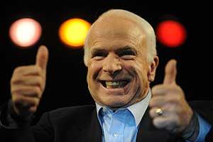 McCain se dirige a sus seguidores en Nevada. (Foto: AFP)