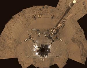 El 'Spirit', cubierto de polvo marciano debido a una tormenta en el cráter Gusev del planeta rojo. (Foto: NASA)