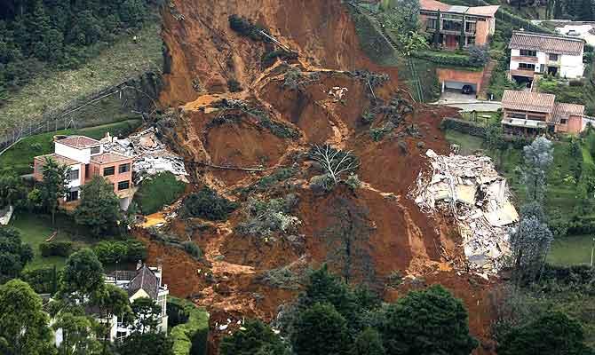 Imagen aérea de la zona afectada por el alud en Medellín. (Foto: REUTERS)