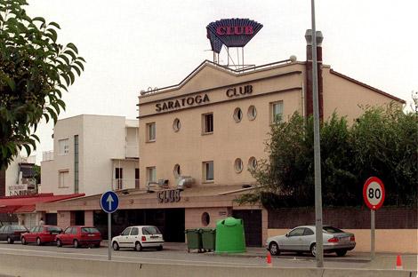 La entrada del club Saratoga, cerrado desde el día 7. | Antonio Moreno