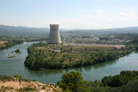 La central nuclear de Ascó.   J. Antonio