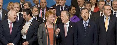 Foto de familia de los mandatarios de la Alianza de Civilizaciones, sin Zapatero.