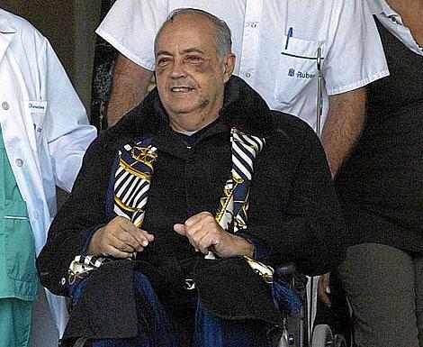 José Luis Moreno, a la salida del hospital, tras ser atracado. | Julio Palomar