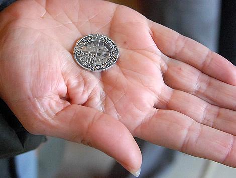 Una de las monedas acuñadas en el Museo Provincial de Segovia.| Ical