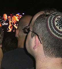 Religiosos y laicos en el concierto de Madonna en Tel Aviv.  S. E.