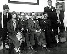 Le Corbusier (centro) en la Residencia.