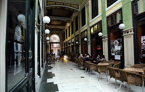 En la actualidad el Pasaje cuenta con varias cafeterías. | Ical