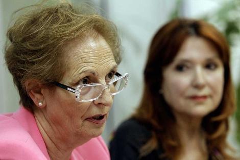 Paulina Cerezal (i) encabeza junto con María Jesús González. | Efe