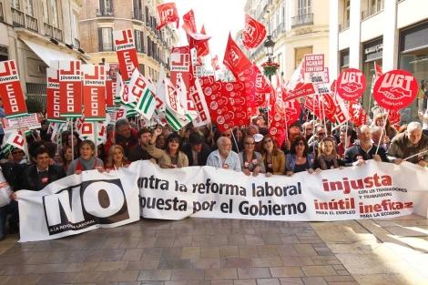 Protestas contra la reforma laboral en Málaga, durante el Día del Trabajo. | Antonio Pastor