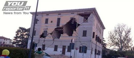 Uno casa dañada en Sant-Agostino. | Foto: Corriere