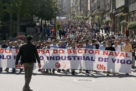 Tarbajadores del sector naval gallego se manifiestan ante la falta de pedidos, en Pontevedra. | Efe
