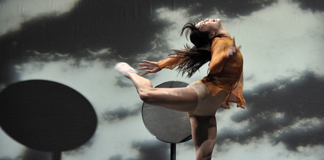 La bailarina Soojee Watman, en una coreografa de Forsythe. Vea ms imgenes