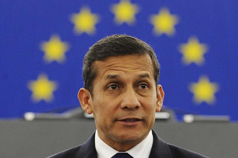 El presidente peruano, Ollanta Humala , pronuncia su discurso en el Parlamento. | Efe