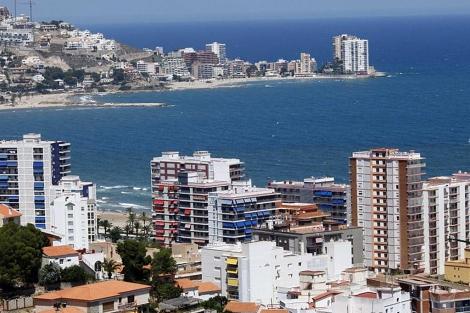 Panorámica de los apartamentos en la costa de Valencia. | Vicent Bosch