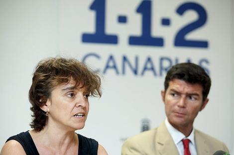 María José Blanco, del ING, y Guillermo Díaz, subdelegado en Tenerife, explican la prealerta. | Efe
