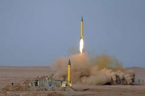 Los misiles lanzados en el desierto iraní.   Efe