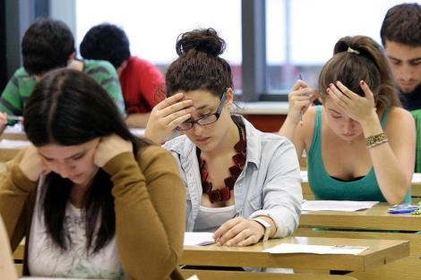 Alumnas en un colegio español. | Efe