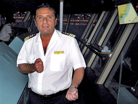 Francesco Schettino, en el barco. | Foto: Reuters