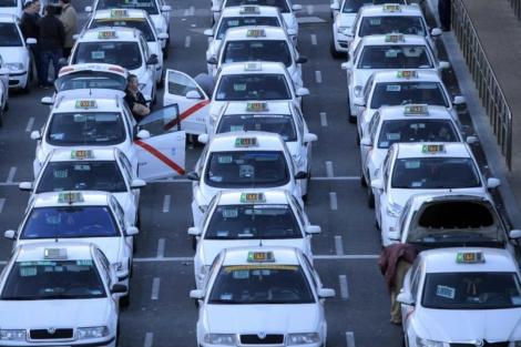 Los taxis madrileños deberán cumplir un límite de emisiones | E. M