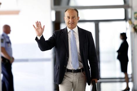 El ex consejero de Innovación, Martín Soler, a su llegada al Parlamento. | E. Lobato