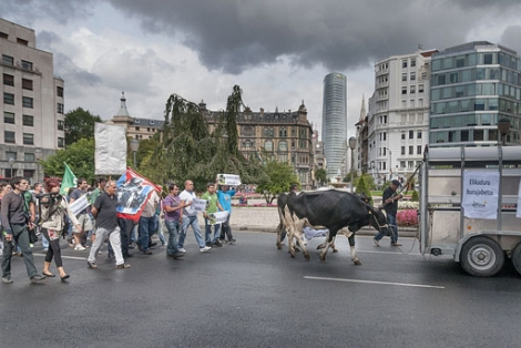 Marcha de los agricultores por el centro de Bilbao. | Patxi Corral