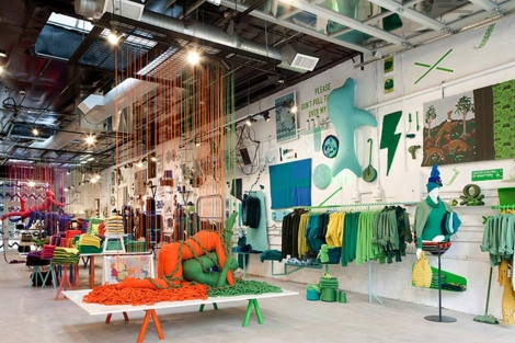 Interior de la tienda de Benetton en el SoHo de Nueva York.