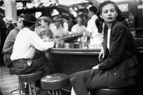 'Las Vegas on the bar', de Lisette Model (1949). | Fundación Mapfre