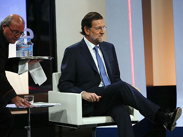 Rajoy, momentos antes de comenzar la entrevista. | Susana Vera / Reuters